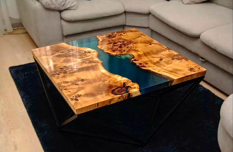 Журнальный столик с эпоксидной смолой