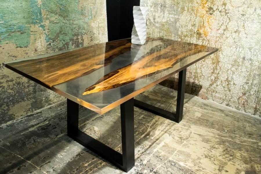 """Дизайнерский стол с эпоксидной смолой """"Стрелы"""""""
